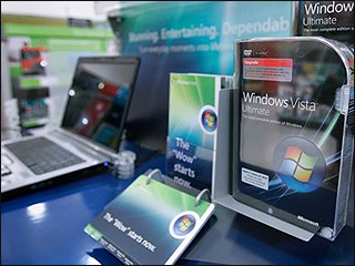 Few rush out to buy new Windows Vista