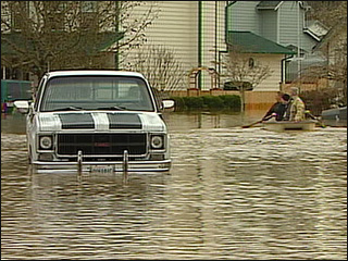 Army engineers apologize for flooding town