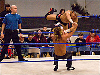 Wrestlers body slam boredom in Springfield