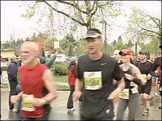 Eugene Marathon supporters bring the noise for runners