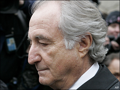 FBI agent tells of Madoff's arrest at N.Y. trial