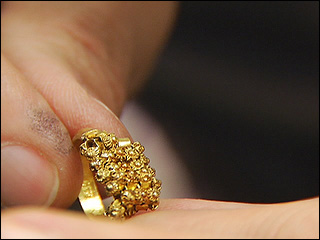 100303_gold_ring