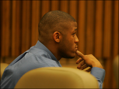Duck football star James to report to jail by 4 p.m. Friday