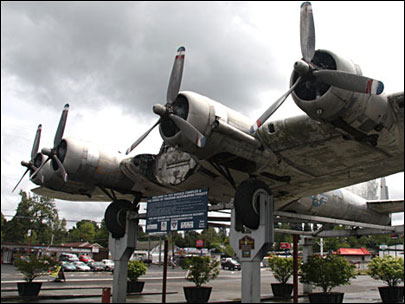 How do you restore a B-17 from World War II?