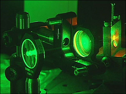 Oregon scientists blast photons with green lasers