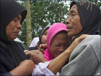 Death toll from Indonesian disasters nears 430