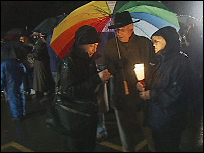 Corvallis circles mosque in light: 'Thank you ... for being here'