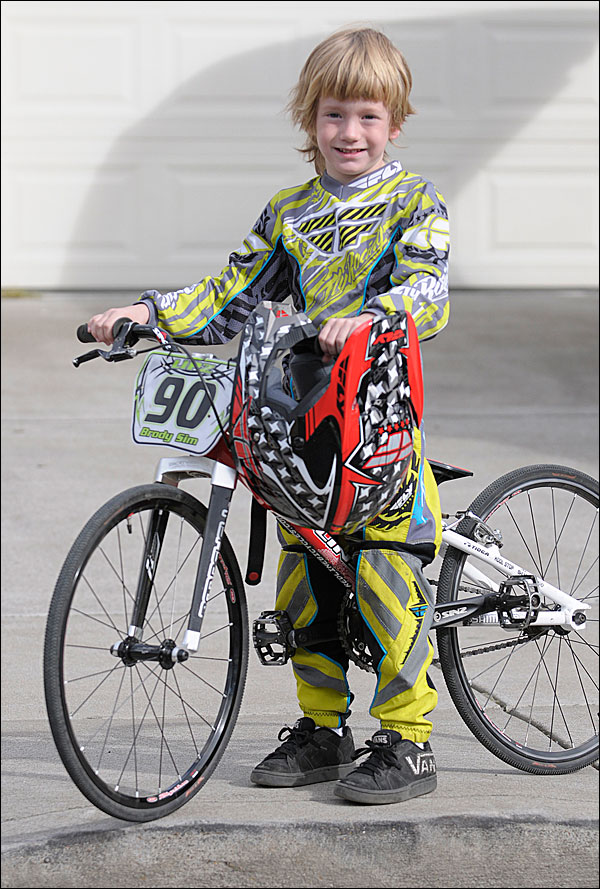 Kids Bmx Racing Bikes On the bmx track shows off