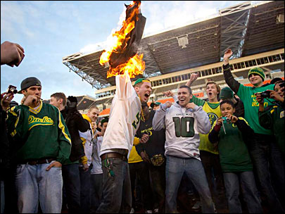 Duck fan gets jail time for burning Beaver turf