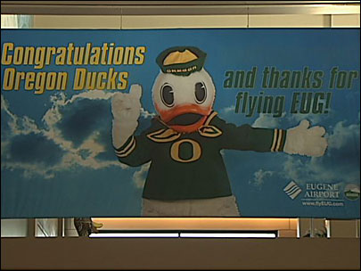 Ducks flock through Eugene Airport in record numbers
