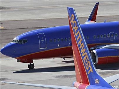 Muslim woman removed from Southwest plane to sue