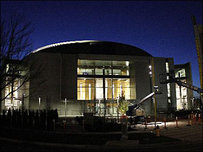 Mac2Matt: Oregon opens Matthew Knight Arena
