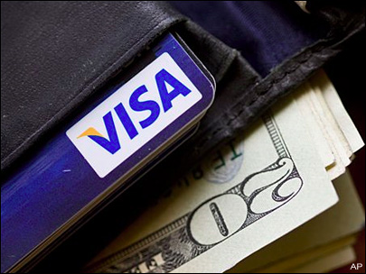 US consumer cut back on credit card use in April