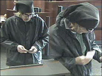 Dye pack paints bank robber and loot orange