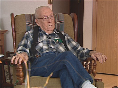 WWII vet, 95, learns he's not a U.S. citizen