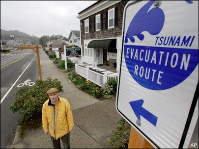 Weekly strolls aim to ease tsunami's toll on Oregon Coast town