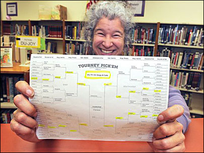 Oregon librarian wins NCAA bracket contest on Yahoo
