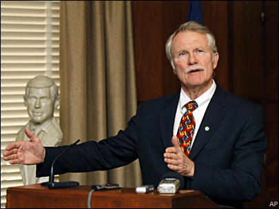 Kitzhaber pushes for education overhaul