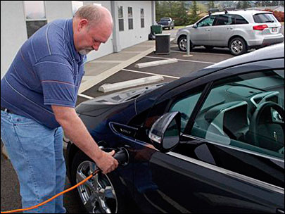 Electric Cars: Cottage Grove man buys Chevy Volt