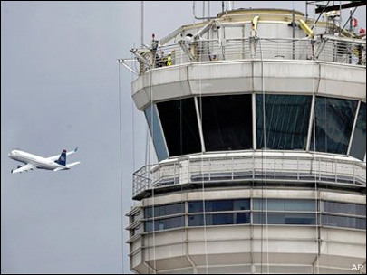 FAA investigating near collision at D.C. airport