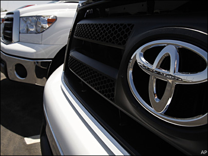 Toyota, Chrysler see big April sales gains