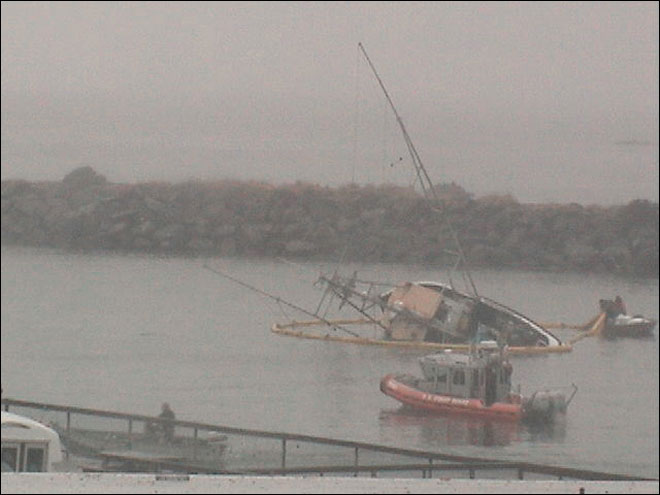 Fishing boat runs aground near Brookings