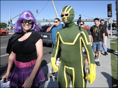 Comic-Con kicks off with fans, flicks, costumes