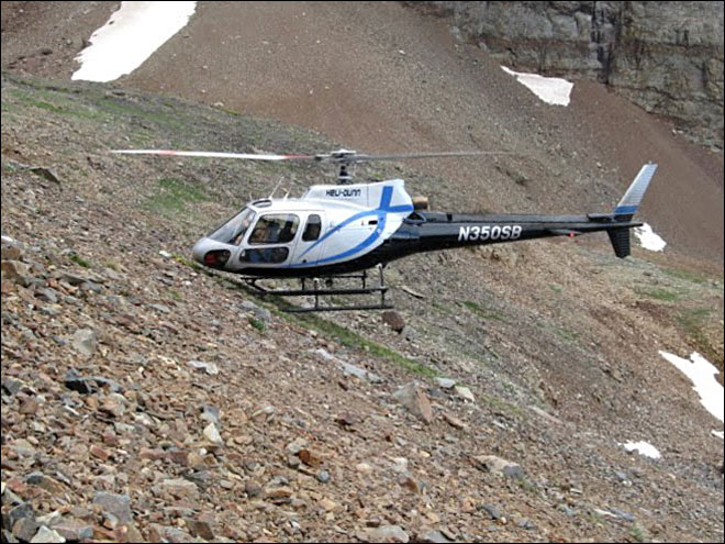 Helicopter pilot from Oregon firm helps rescue man off mountain
