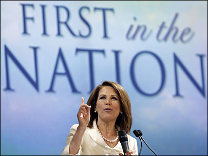 Bachmann wins Iowa straw poll, Paul ends up second