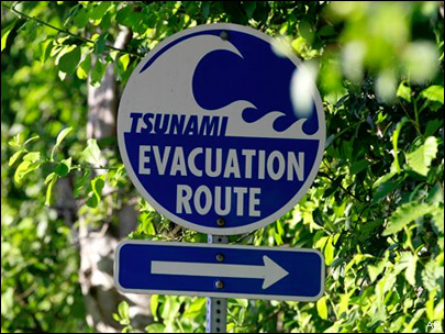 NW coastal towns rethink tsunami evacuation plans