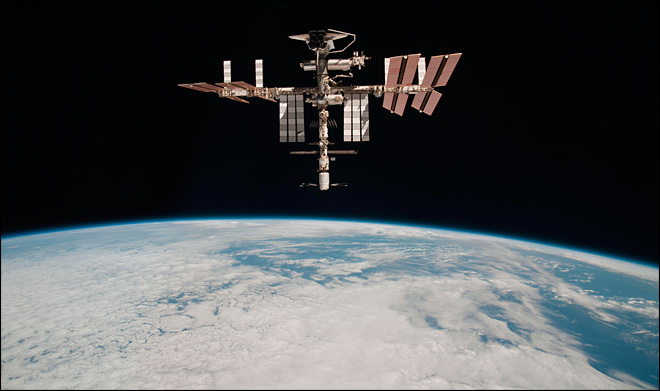 NASA calls off space station&#39;s junk-dodging move