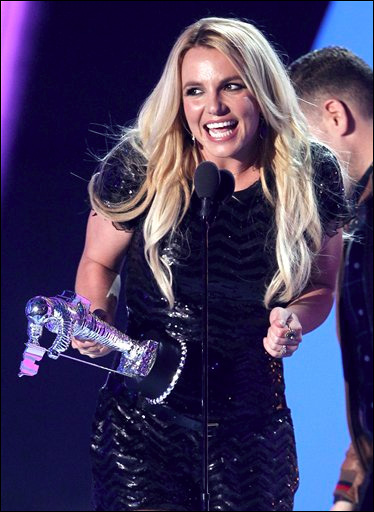 110922_Britney_Spears_2