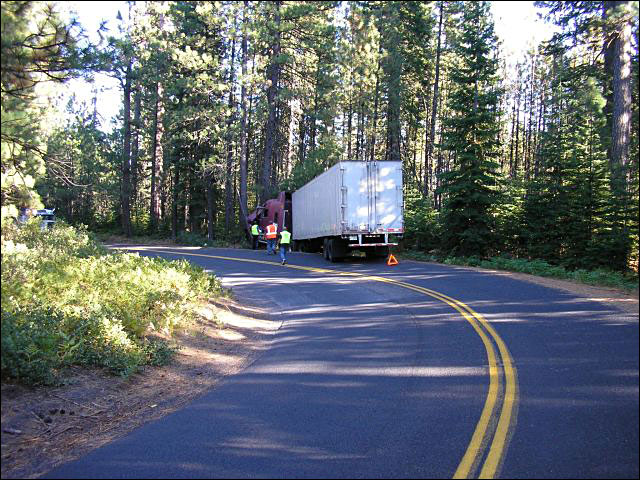 Semi hits tree on historic Oregon highway closed to trucks