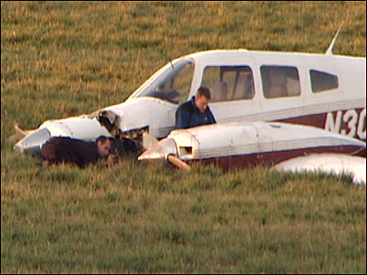 One dead after two small planes collide near Wilsonville