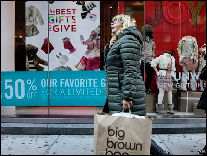 Shoppers say &#39;ho-hum&#39; not &#39;ho-ho-ho&#39; to sales