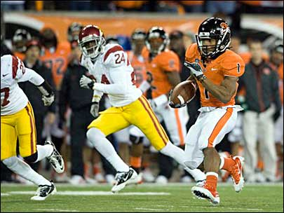 Oregon State Beavers running back Jacquizz Rodgers (1) finds some running room