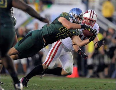 Oregon powers past Wisconsin 45-38 in Rose Bowl thriller