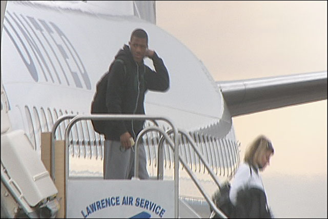Ducks touch down in Eugene