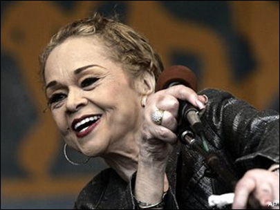 Legendary blues singer Etta James dies in Calif.