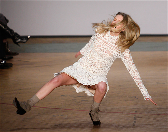 Photos: Fashion models not always so graceful