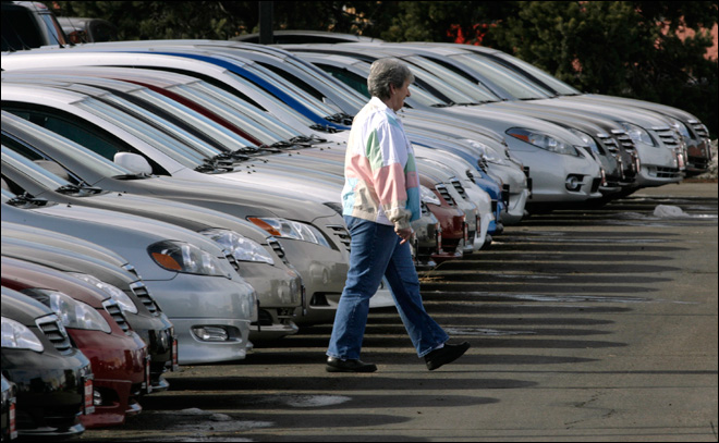 Oregon bill would prevent dealers from rolling back used car mileage