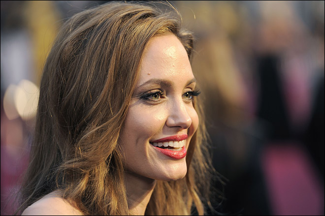 Judge: Angelina Jolie didn't plagiarize 'Blood and Honey'