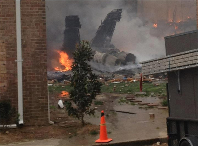 Navy jet crashes into Va. apartments, 2 pilots eject