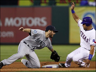 Jaso helps Mariners rally for 4-3 win over Rangers