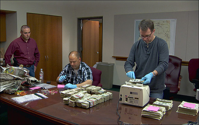 &#39;Most wanted&#39; mystery man nabbed in Portland had $1M in cash