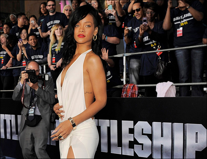 Rihanna, Minaj lead American Music Awards nominees