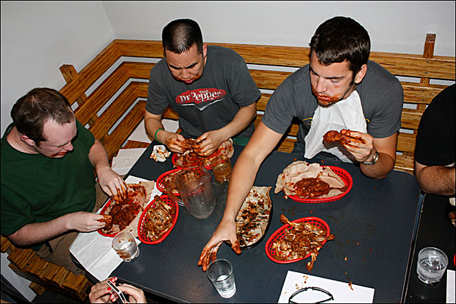Kamikaze Smackdown: 5 minutes to hot wing glory