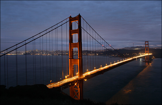 Golden Gate celebrates 75th with help of engineers