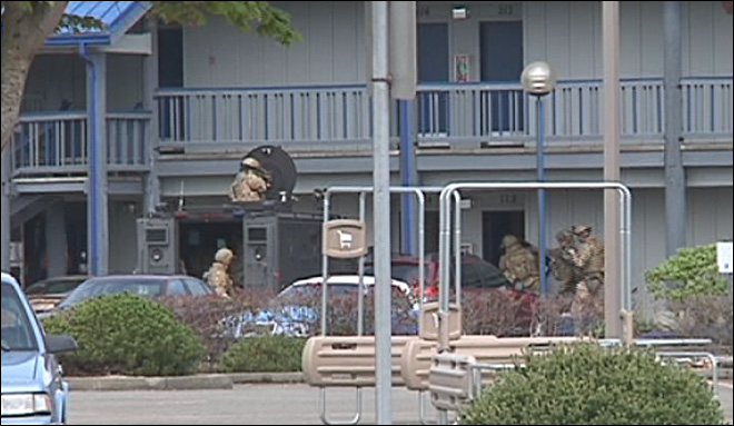 Coos Bay motel standoff ends in suicide