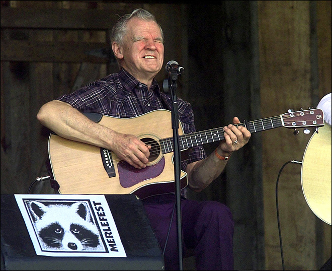 Guitar picking master Doc Watson dies at 89